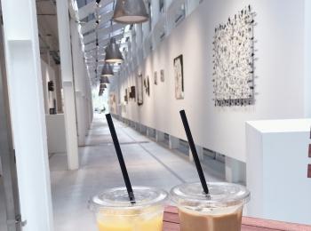 【天王洲のアートスポット WHAT CAFE】カフェとアートを一緒に楽しむ!