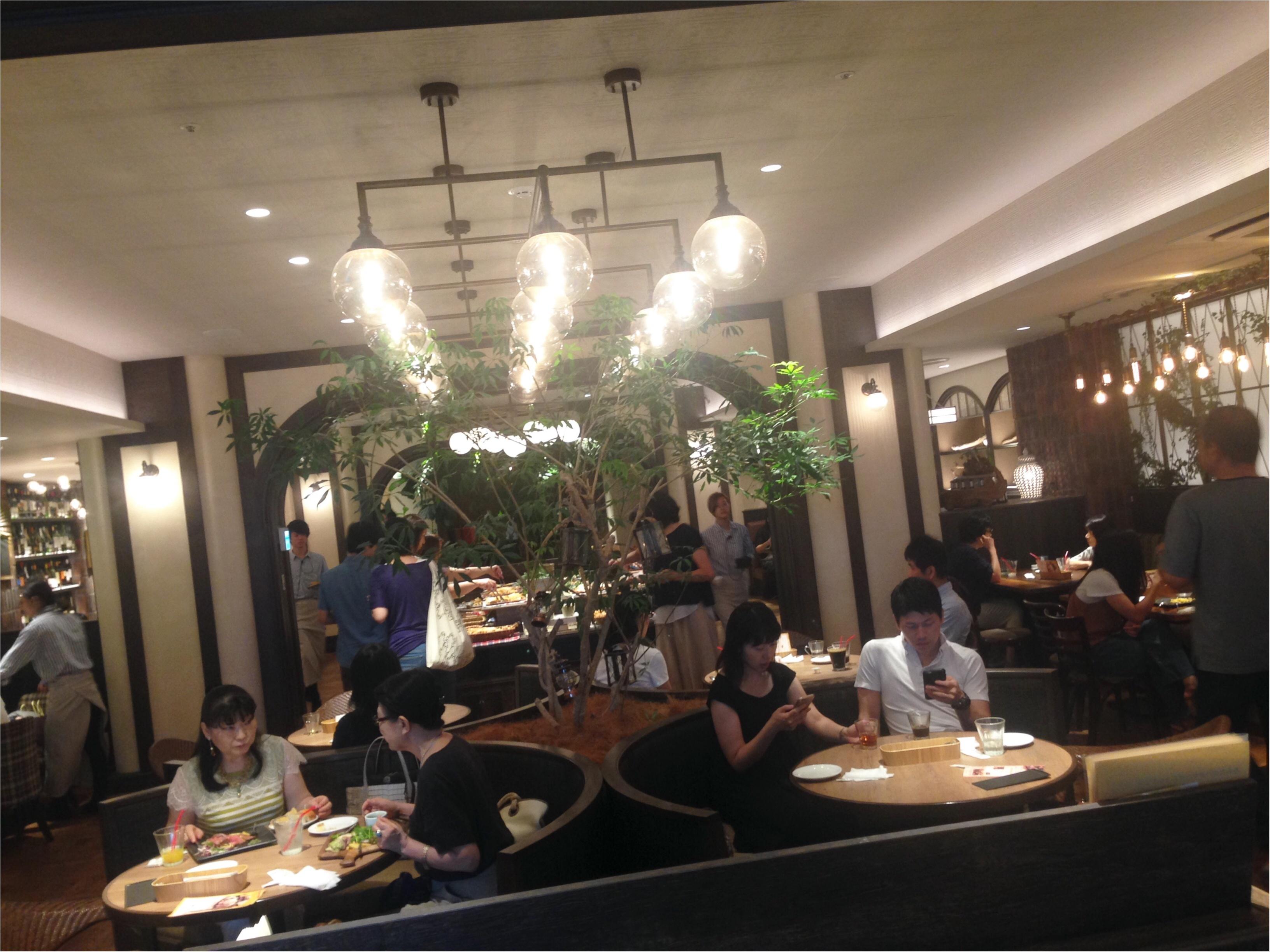 【新宿】え、新宿にこんな素敵なレストランあるの知ってた!?絶対リピートしたいお店発見\(^o^)/パン、パクチー食べ放題もやってるよ〜_3