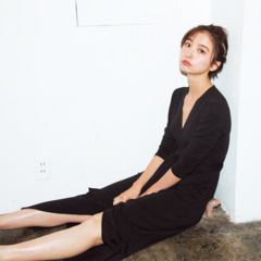 おしゃれプロの「買ってよかった服」。篠田麻里子&人気スタイリストの場合