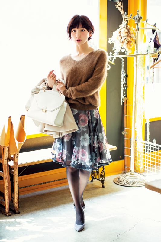 【今日のコーデ】上品シックな花柄スカート主役なら、オトナ合コンもばっちり♡_1