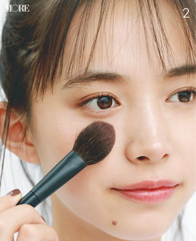 チークの入れ方【2020最新】- 顔型別の塗り方、リップと合わせる春の旬顔メイク方法まとめ_5