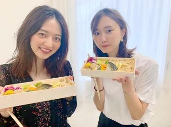 逢沢りなと鈴木友菜のランチの様子をお届け♡【撮影のオフショット】