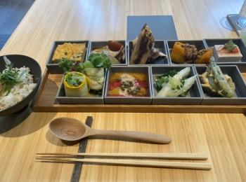 <東京*自然食レストラン>コスメブランドのTHREEが贈る身体の内から綺麗になるカフェ