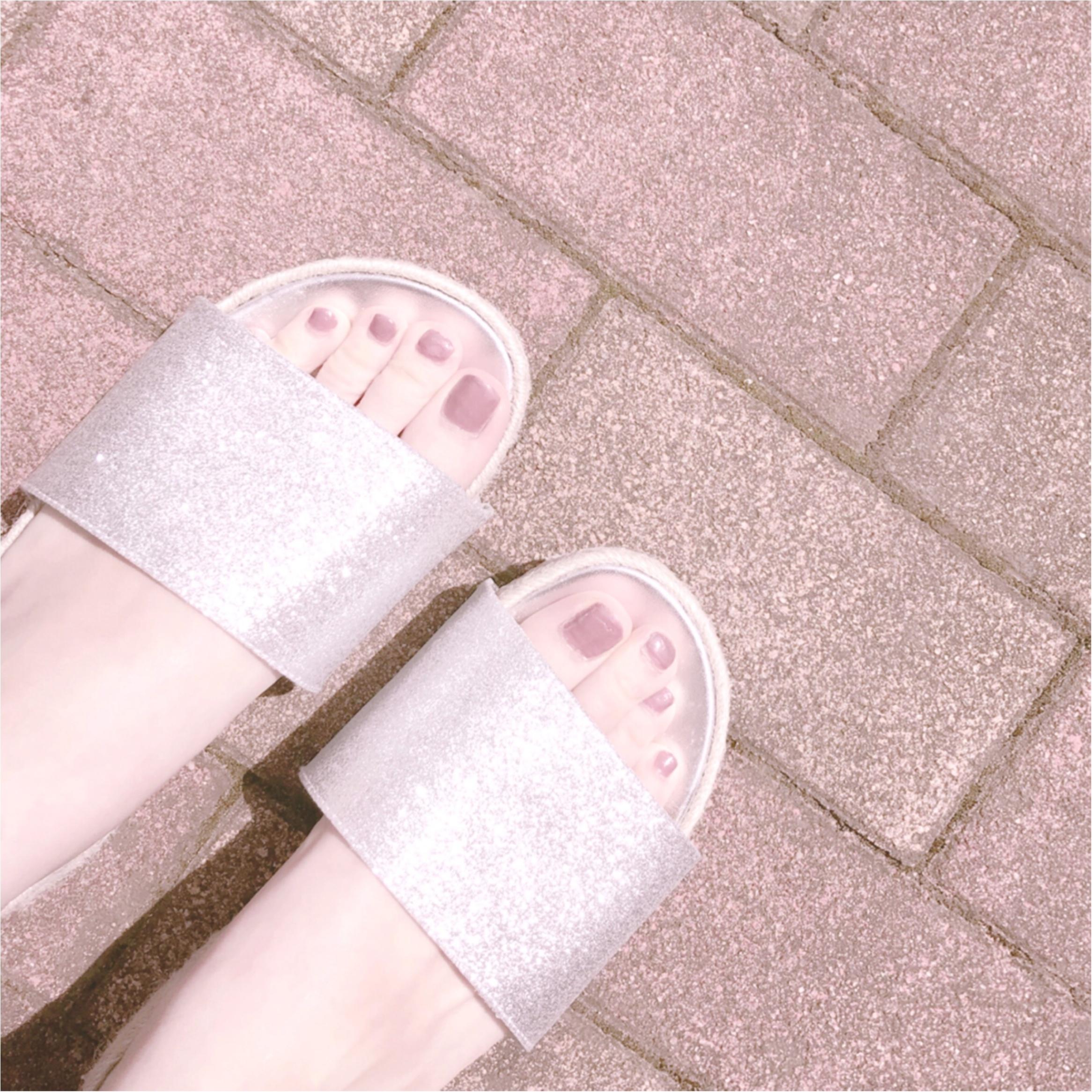 今年のトレンド【シルバーサンダル】GUは履きやすいしプチプラです!_3