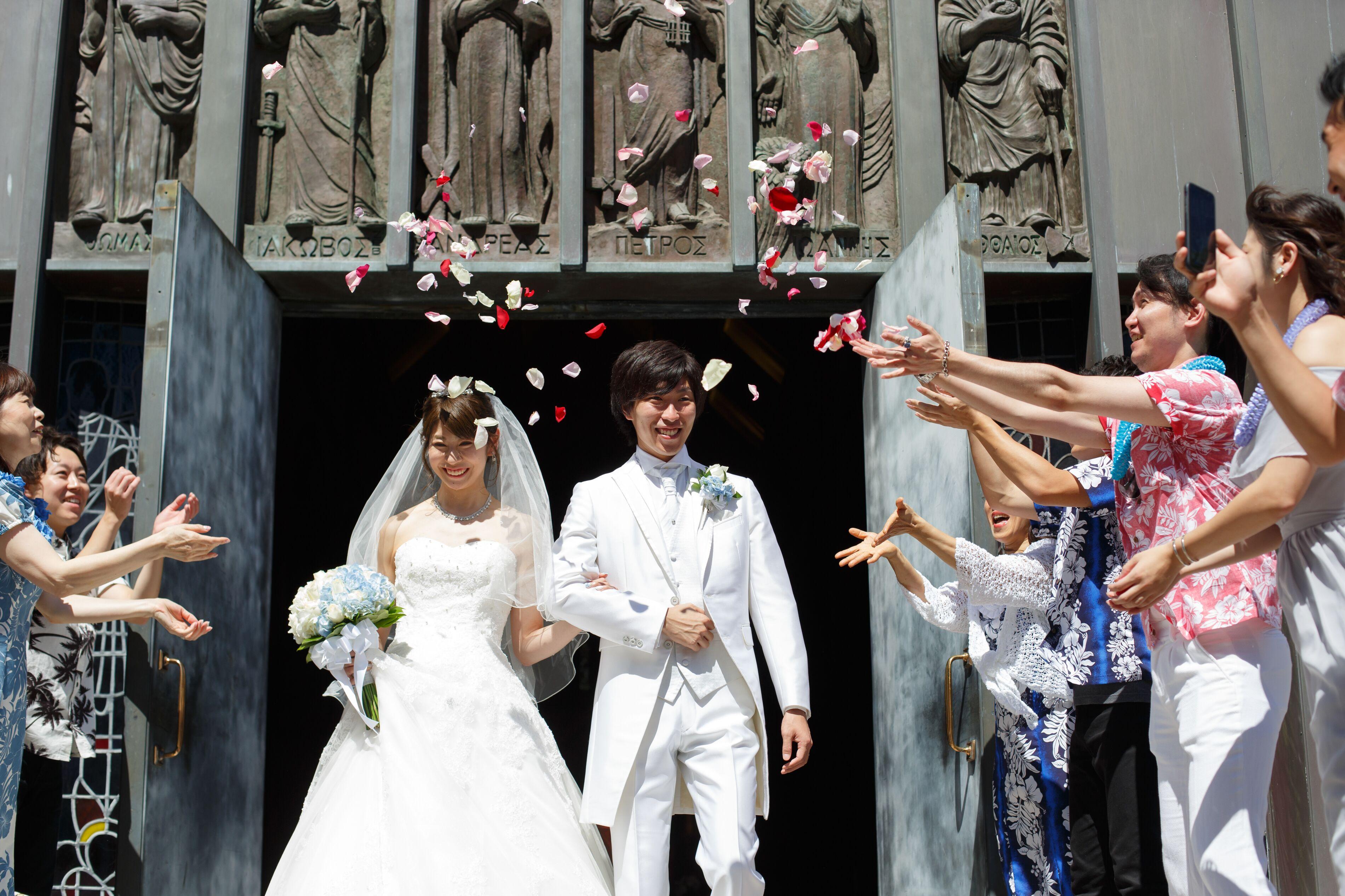 【ハワイ挙式】幻想的なステンドグラスが魅力的!セントアンドリュース大聖堂にて結婚式を挙げました♡♡_11