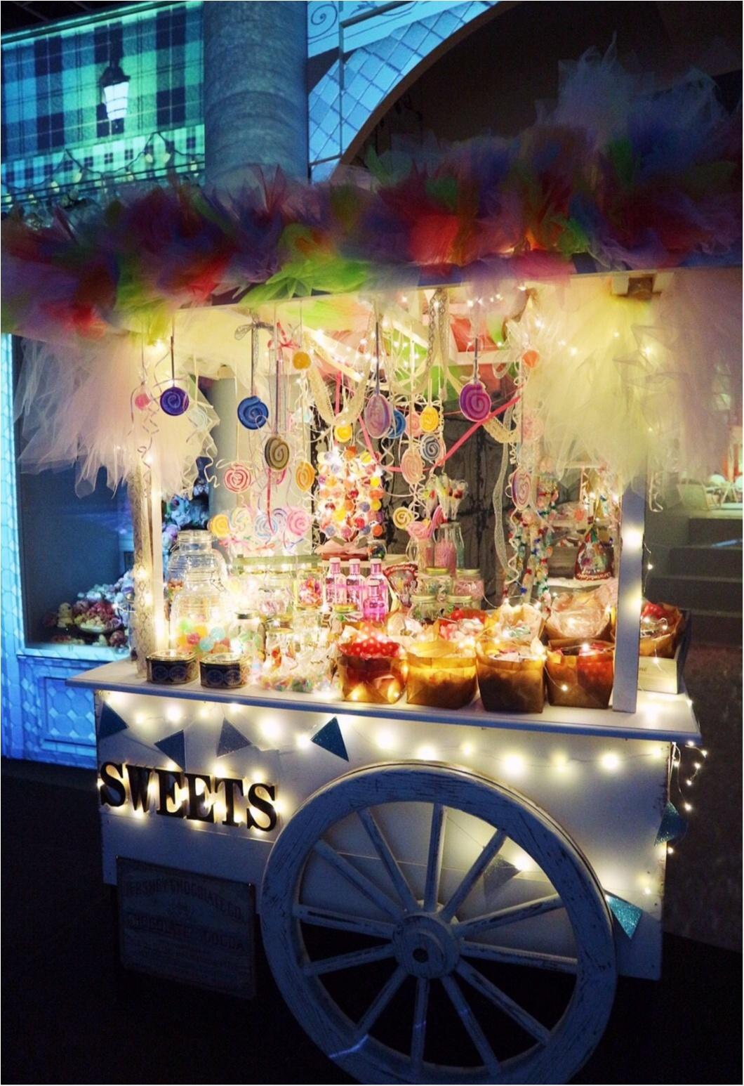 『お菓子の街』が表参道に現れた!キャンディのネオン看板❤︎ハチミツの街灯❤︎ブラウニーの石畳❤︎チョコレートの惑星❤︎カップケーキの火山…お菓子の魔法にかけられて✨≪samenyan≫_26