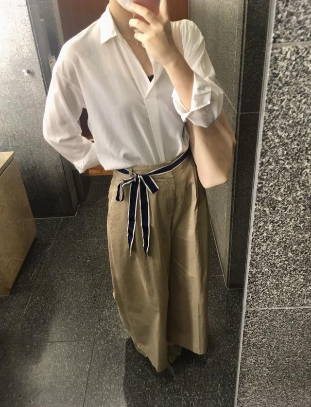 【オフィスコーデ】お気に入りのワイドパンツ×白シャツ_4