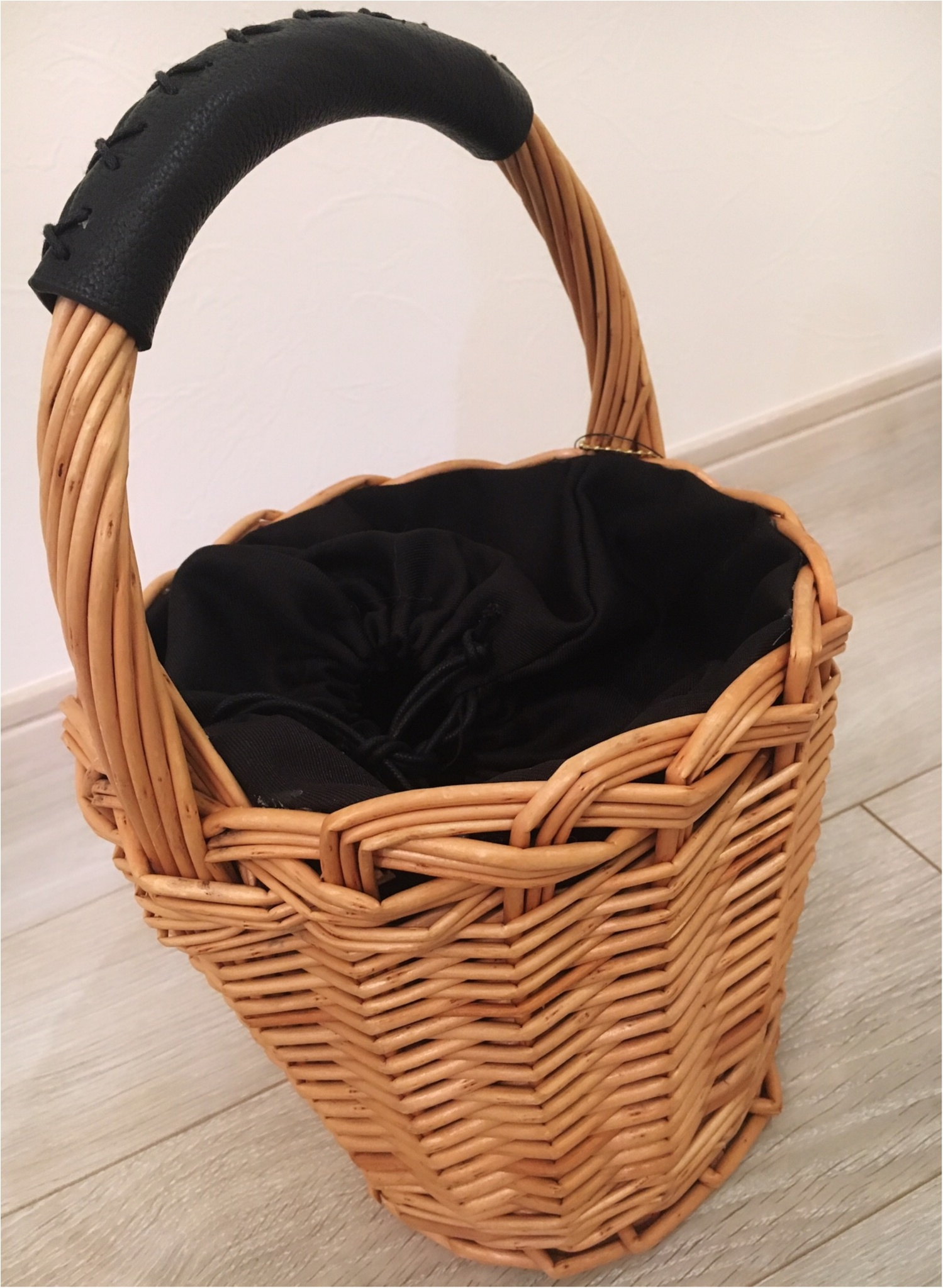 【nico and...】かごバッグは春夏だけじゃない!あたたかみも、程よい軽さも出せる、ファーつきかごバッグ!_2