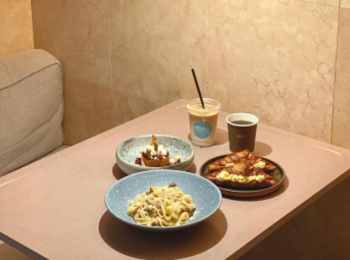 Premiumインフルエンサーズのインスタ拝見! 赤埴奈津子さんは、東京・馬喰町のおしゃれカフェ『abno』でブランチ♬