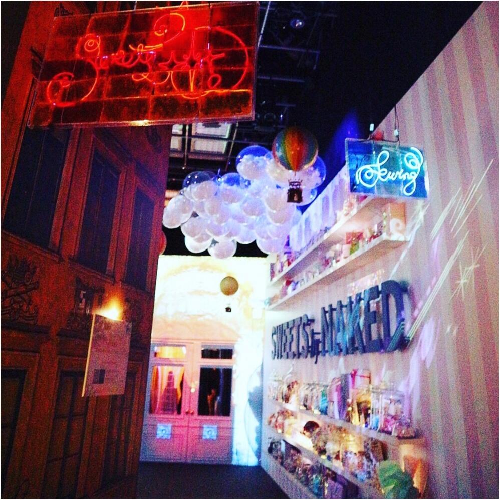 『お菓子の街』が表参道に現れた!キャンディのネオン看板❤︎ハチミツの街灯❤︎ブラウニーの石畳❤︎チョコレートの惑星❤︎カップケーキの火山…お菓子の魔法にかけられて✨≪samenyan≫_3