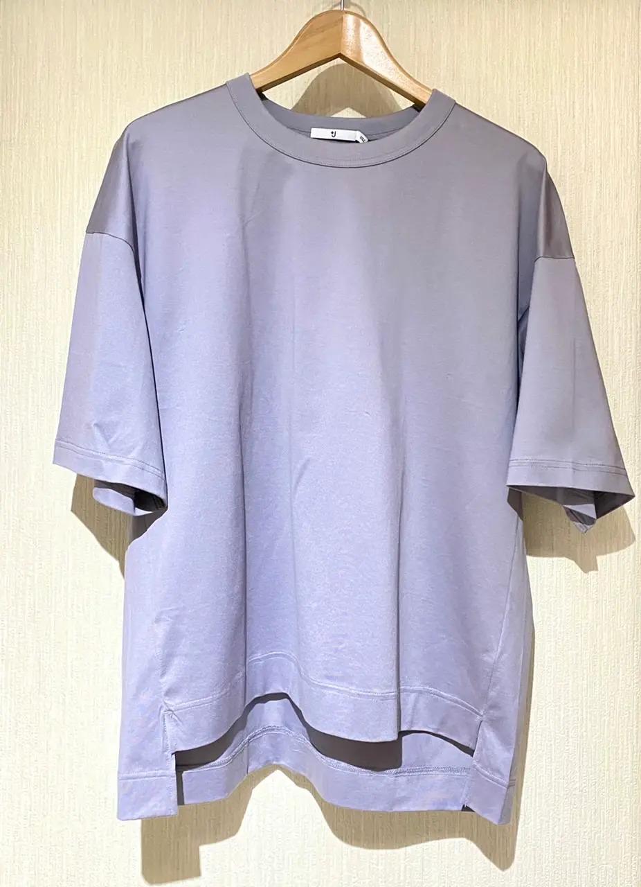 『+J』のクルーネックTシャツ