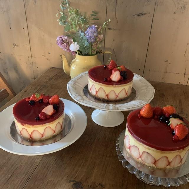 【手作りケーキ】本格的な『フレジェ』作り♡初心者でもお店のような仕上がりに…?!♡_1