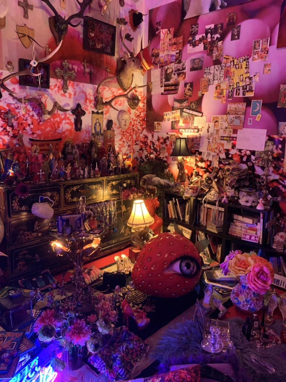 11/14(日)まで!上野の森美術館で開催中の蜷川実花展に行ってきました!_8