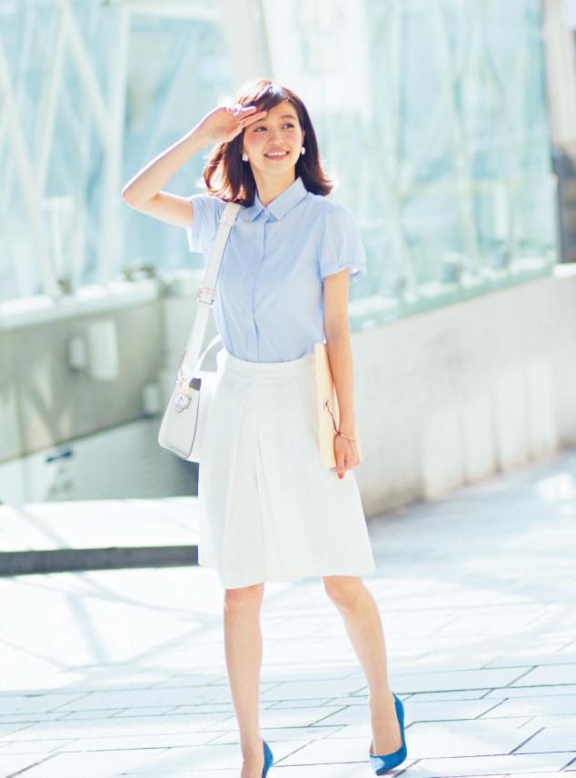 【今日のコーデ】暑い日の外回りは、清涼感あふれるブルー×白コーデで気分も晴れやかに!_1