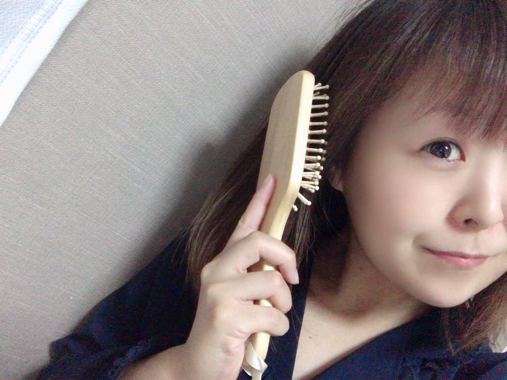 【MORE8月号】今月買うべき神付録!《uka》美髪パドルブラシが使い心地最高♡_3