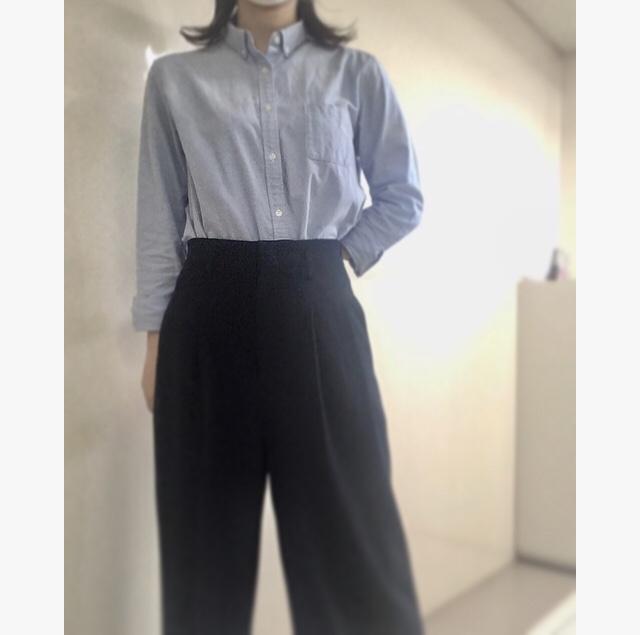 【オフィスコーデ】GUの青シャツ×UNIQLOのワイドパンツ_4