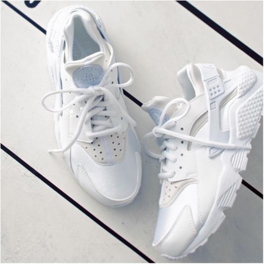 おしゃれな人がこの春最初に履きたい靴【スニーカー編】_1