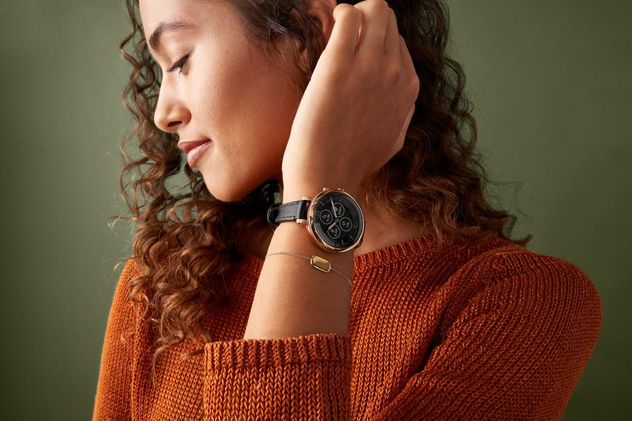 フォッシルの新作腕時計は機能性もファッション性も高い