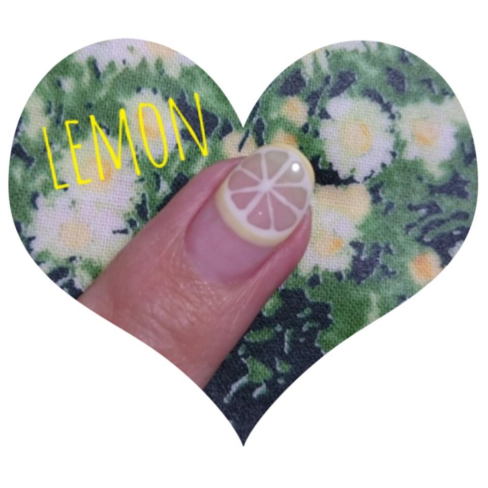 初夏にぴったりのネイル♡レモンネイルはいかが?_2
