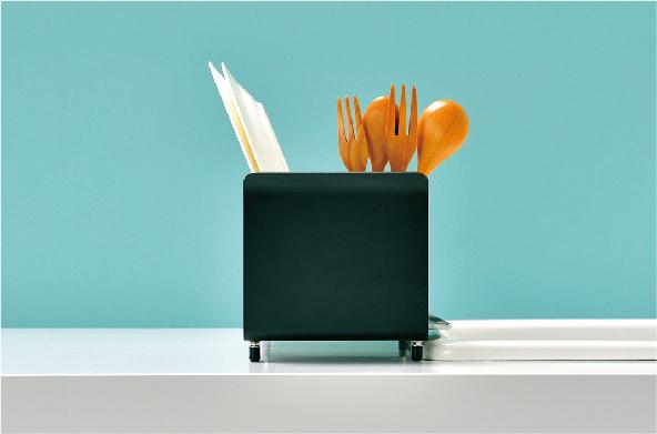 《Twitter フォロー&RTで応募》新キッチンツールブランド『UtaU』の「水切りかご」を3名様に♡__3
