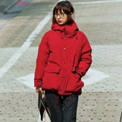 【今日のコーデ/篠田麻里子】休日出勤の時は、スティックパンツを赤ダウンで今っぽくカジュアルダウンして。
