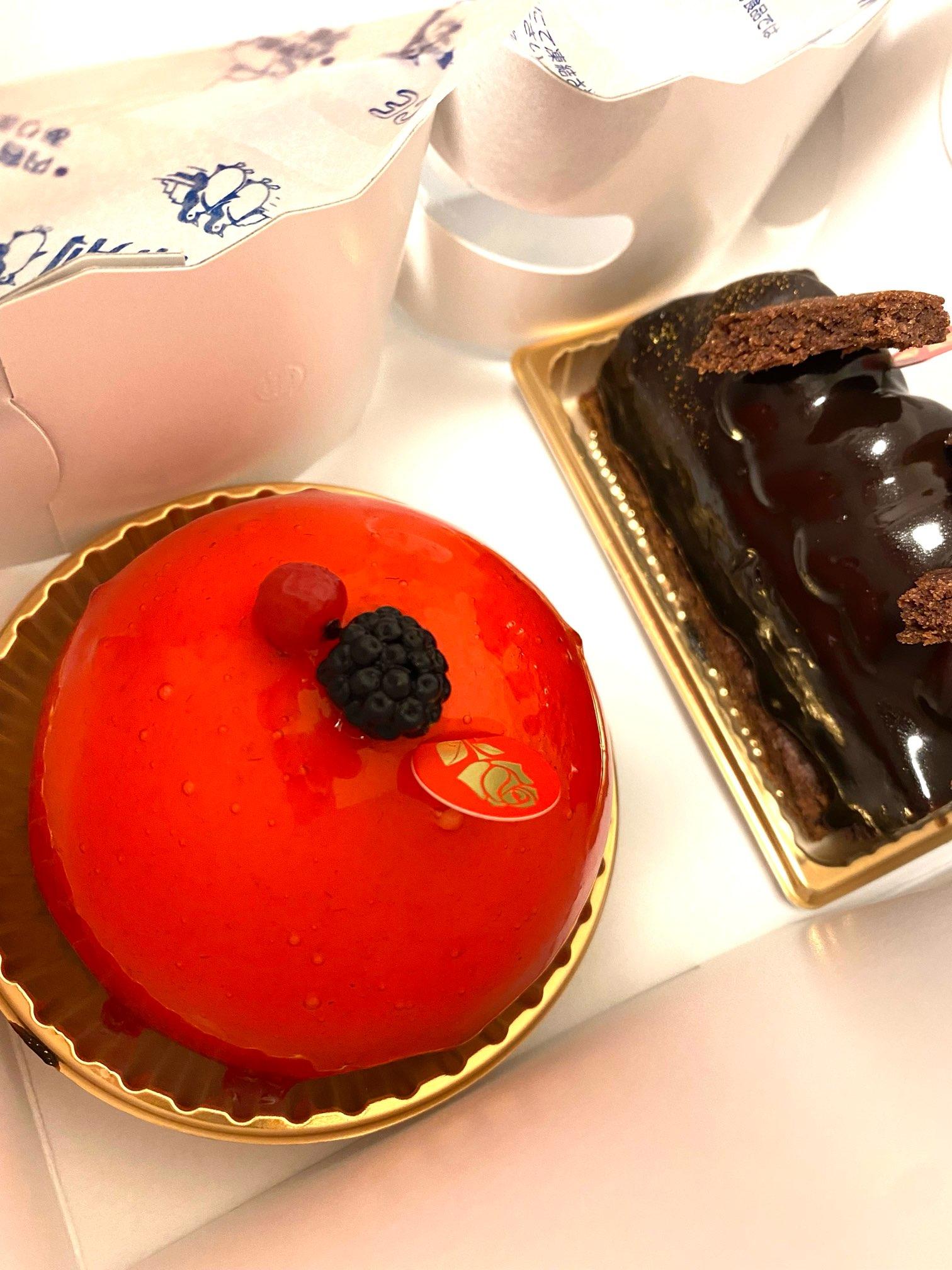 白金高輪駅にある《パッション ドゥ ローズ》はインパクトのあるケーキ屋♡_6