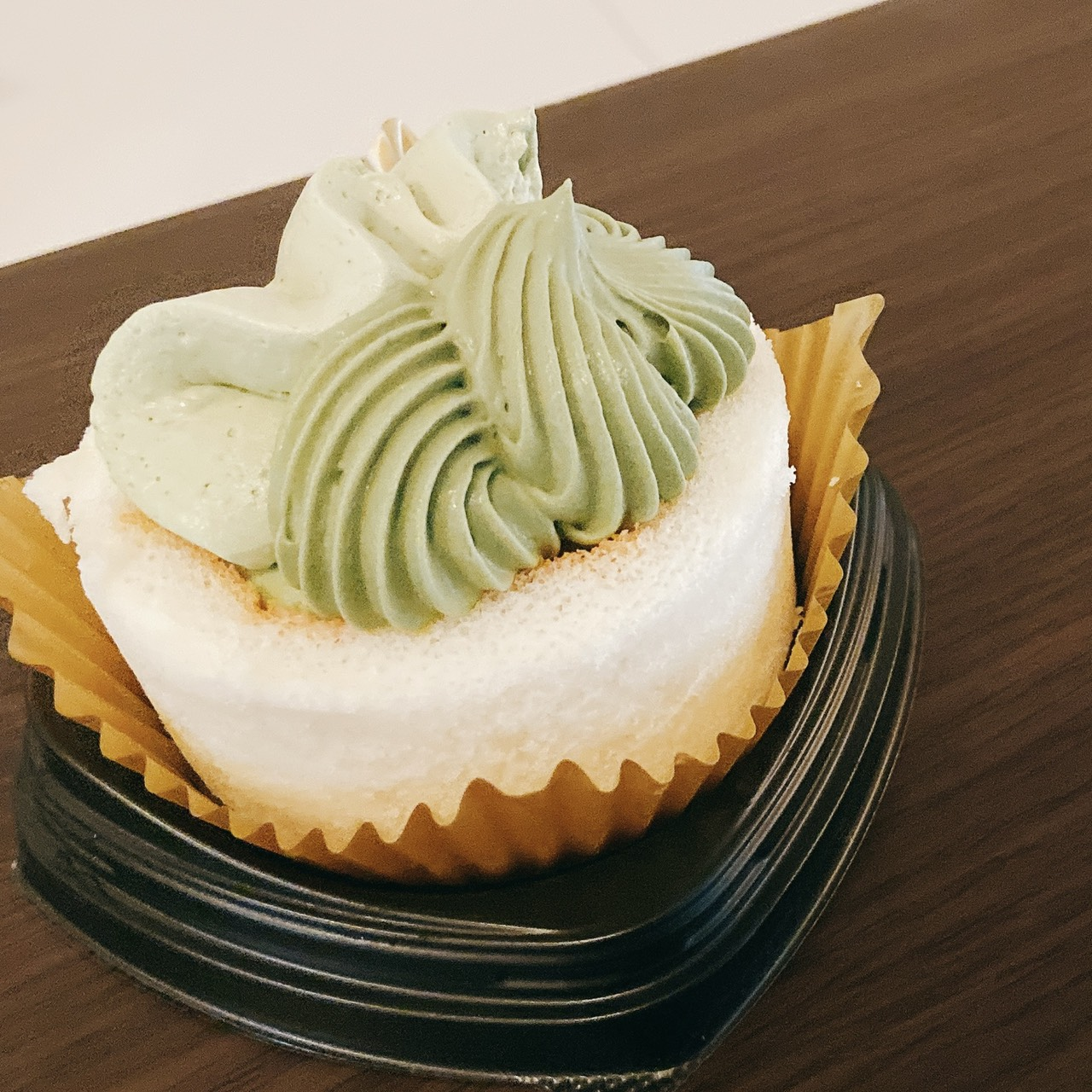 【新発売】ほぼ抹茶クリーム!?毎月6日はロールケーキの日!【食レポ】_1