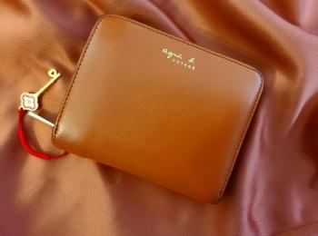 【20代女子の愛用財布】使いやすさ満点《agnes b.》の革財布❤️簡単お手入れ方法も!