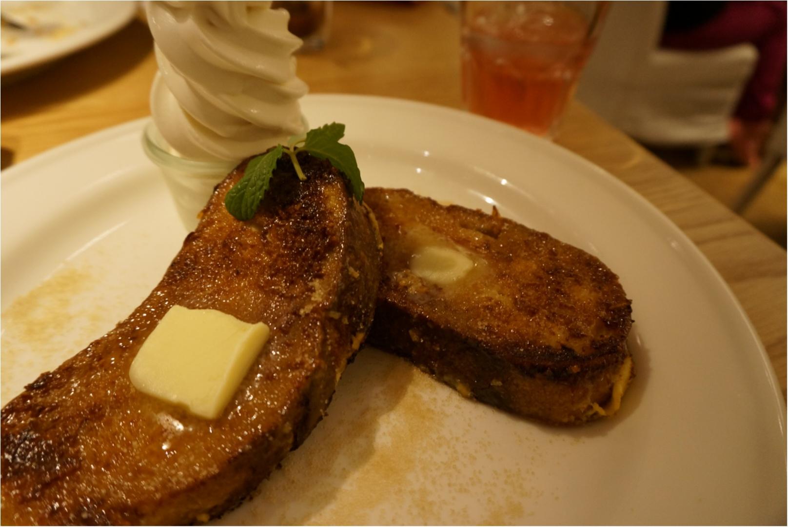 白と木材を基調としたニュートラルな空間でカフェTIME♪《24/7Cafe apartment》で食べれる美味しいフレンチトースト♡_4
