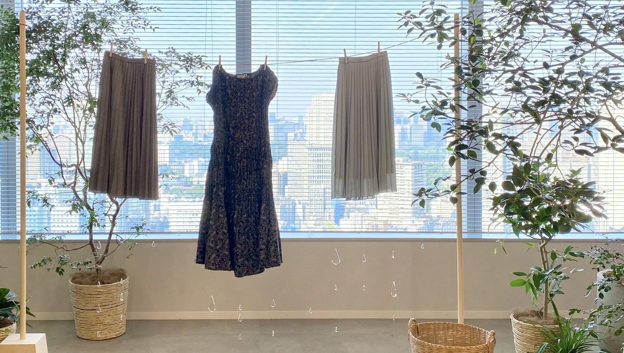 『ユニクロ』の洗えるプリーツが秋も大豊作♬︎ スカート、パンツ、ワンピース、全部着てみました!【1:きれい色編】_2