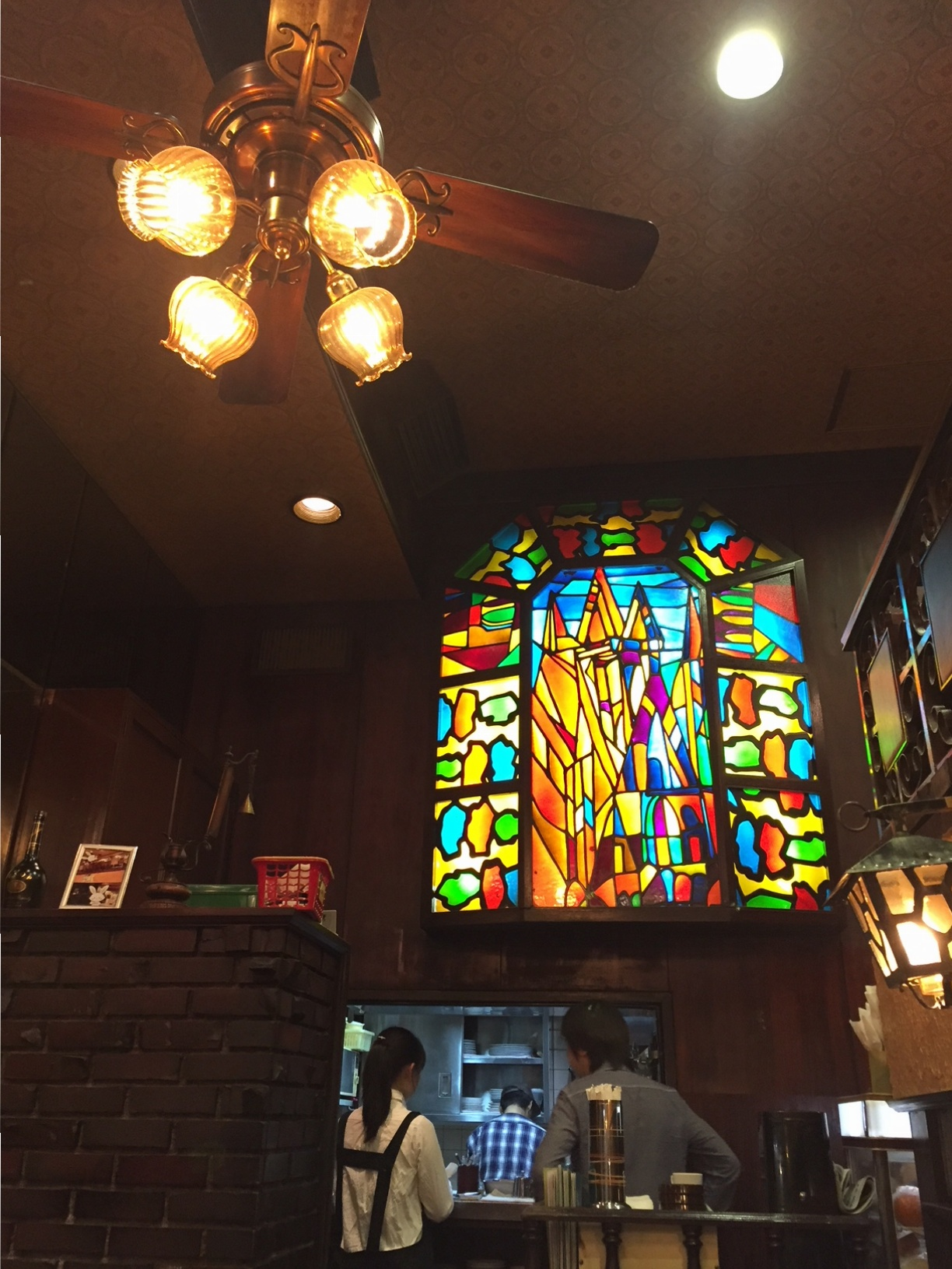 【大阪カフェ】レトロな雰囲気と大満足なパフェがたまらない♡「珈琲館ビクター」_2