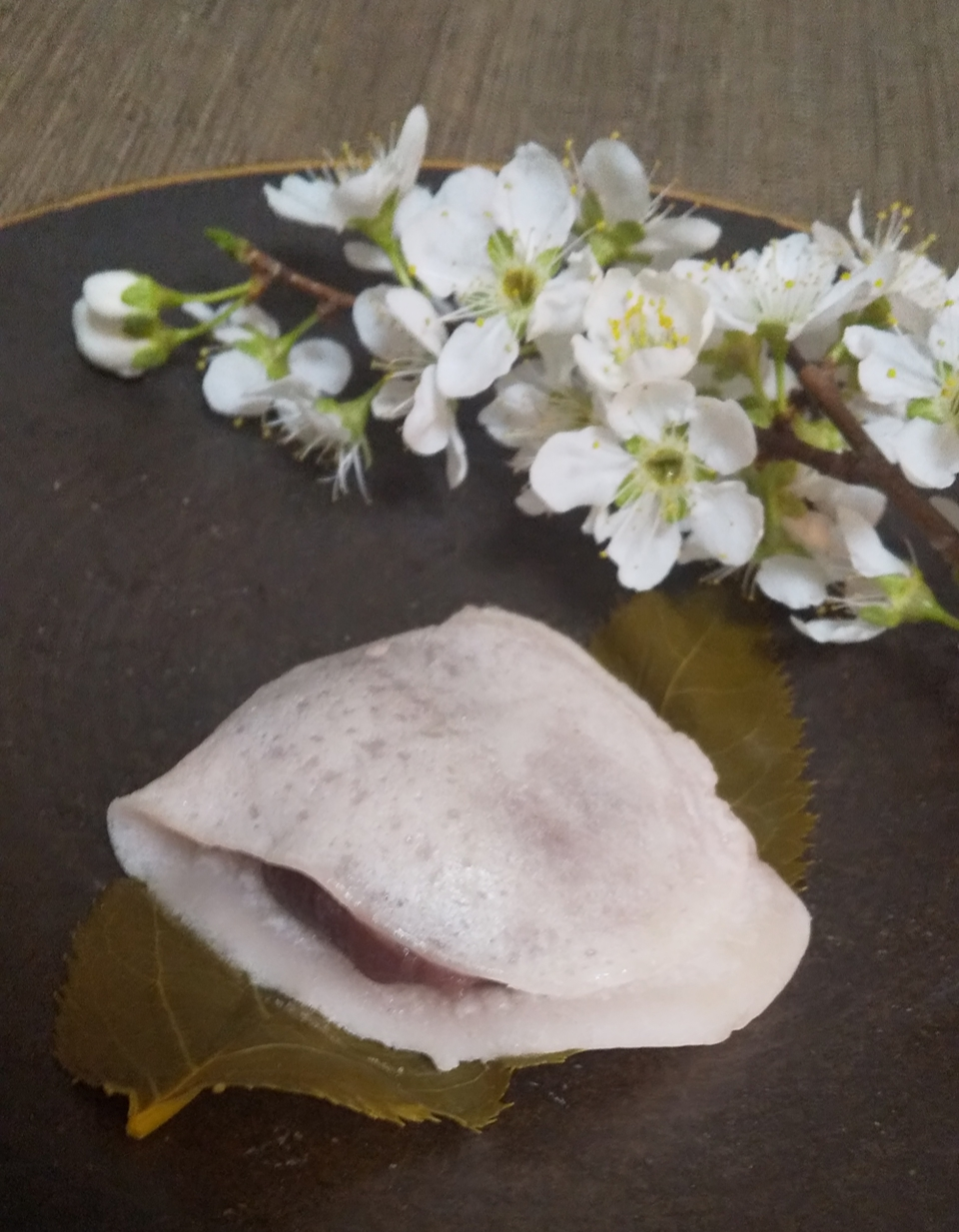 【おすすめいちごスイーツ】老舗゛紀の国屋゛の《いちご大福》と《桜餅》で春を味わう:*_6