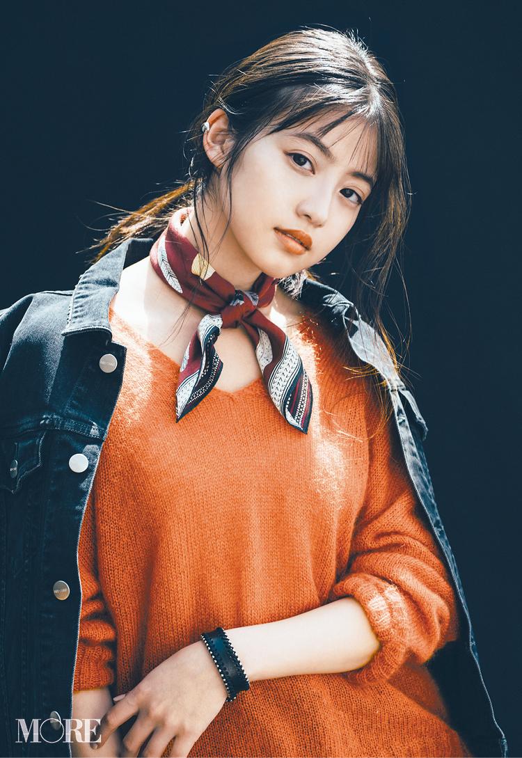 人気小物スカーフをバンダナ巻きにした今田美桜