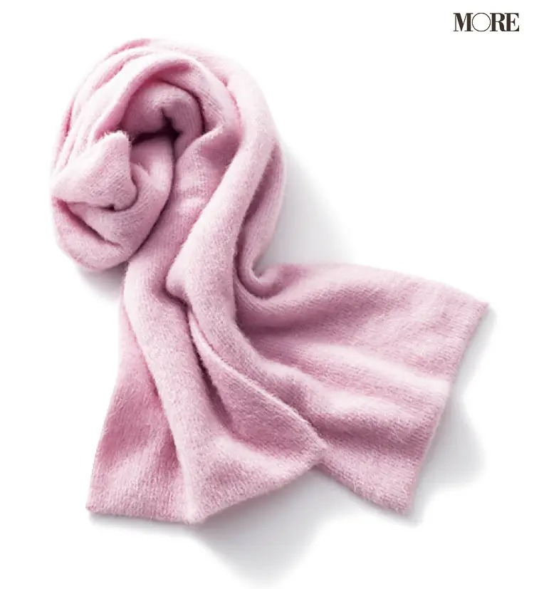 ピンク色のニットストール