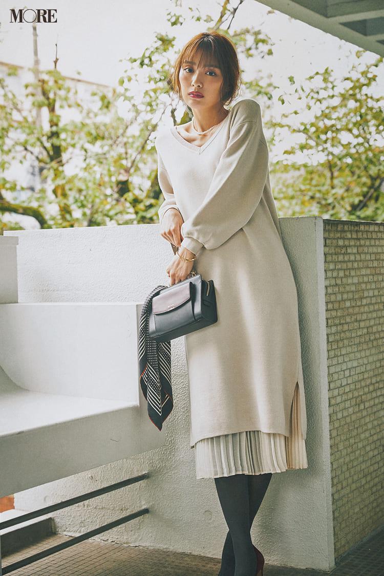 白ニットコーデ【2020冬〜春】- 着膨れしない細見えテクニックなど、白い服の最旬レディースコーディネートまとめ_24