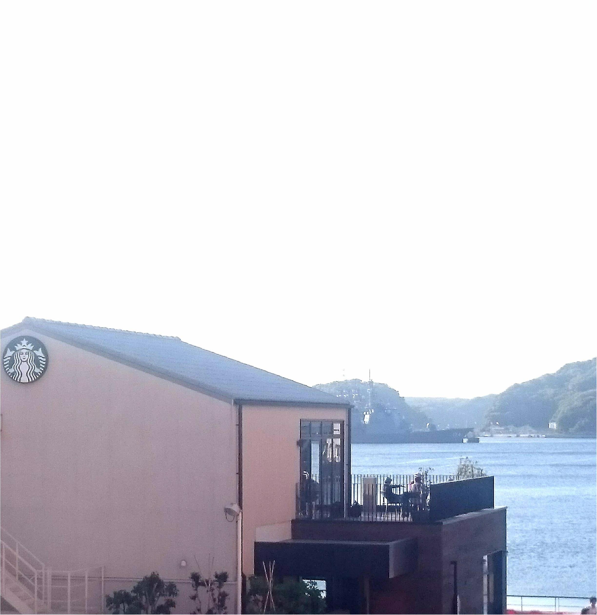 【海が見えるスタバ】【一度は行きたい景色のいいスタバ】港を見ながら○○名物にかけてアメリカンチェリーパイフラペチーノをいただきました♪_1