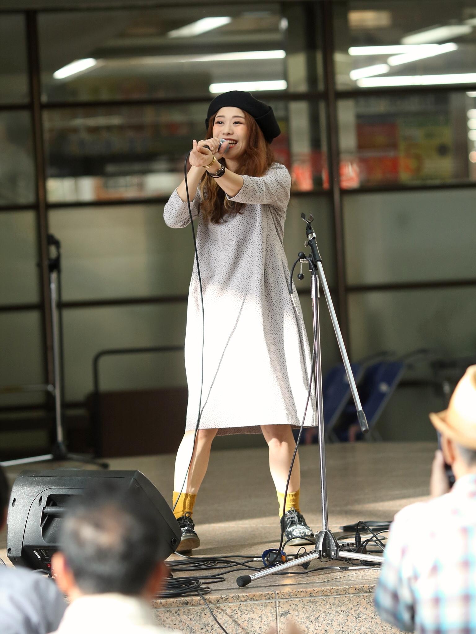 【秋から冬服へ】シンガーソングライターうたうゆきこのLive photo【ファッション】_1