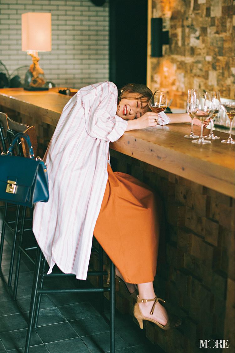「飲み会で後輩とふたりきり……!?」内田理央主演・毎日連載『ミスブラウンの愛され着回し』4日目_1