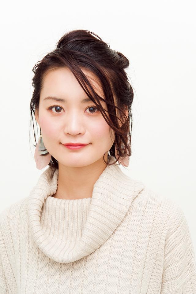 【美容師華アレンジ】黒髪に合うモード感♪ アシメねじりアレンジ_1