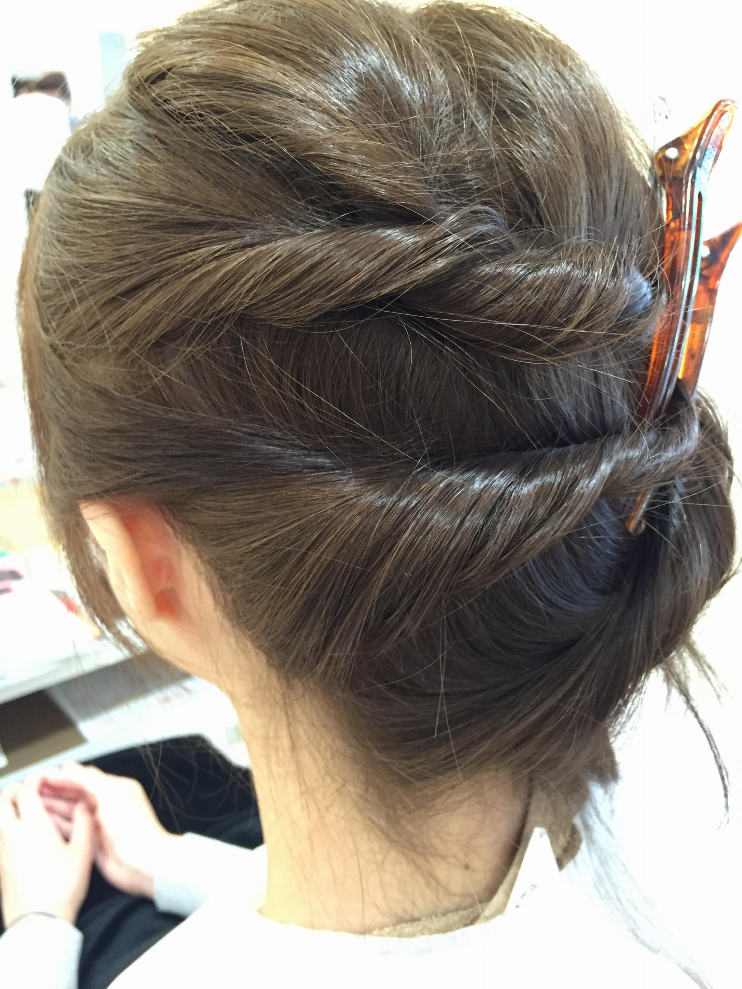 ヘアアレンジに差をつけよう!夏のまとめ髪にオススメのハイライト☆_3