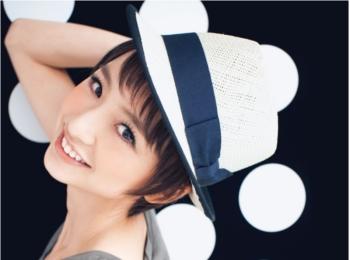 篠田麻里子、MORE卒業! 10年間の「ベストショット」まとめ