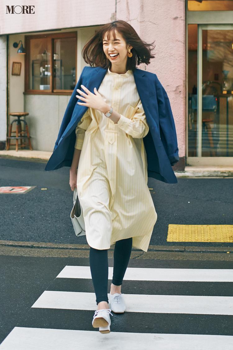 【今日のコーデ】シャツワンピースにジャケットをはおった佐藤栞里