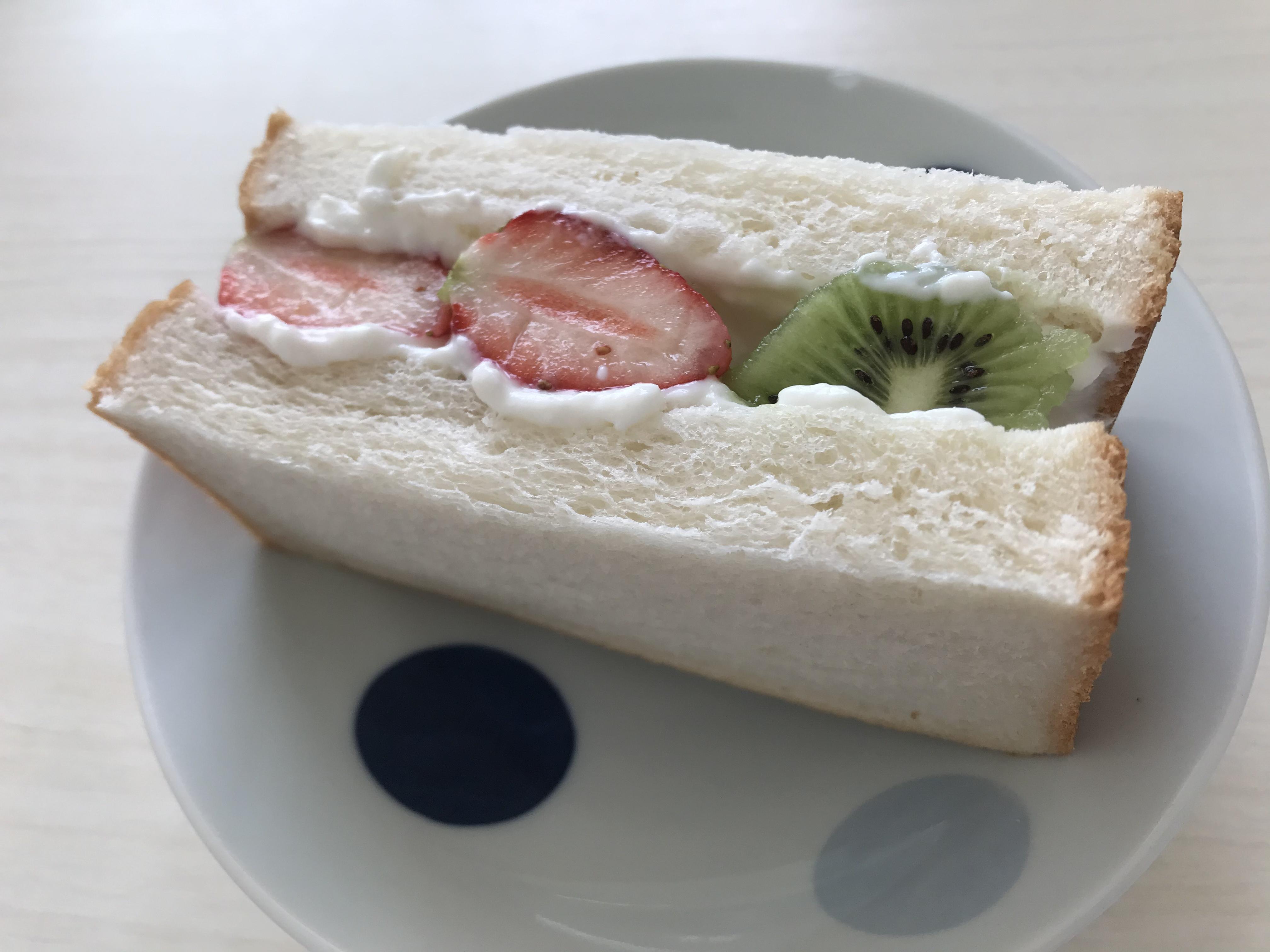 【ヘルシーフルーツサンド】ズボラな私でも、簡単!美味い!ヘルシーなフルーツサンドレシピをご紹介☺︎_1