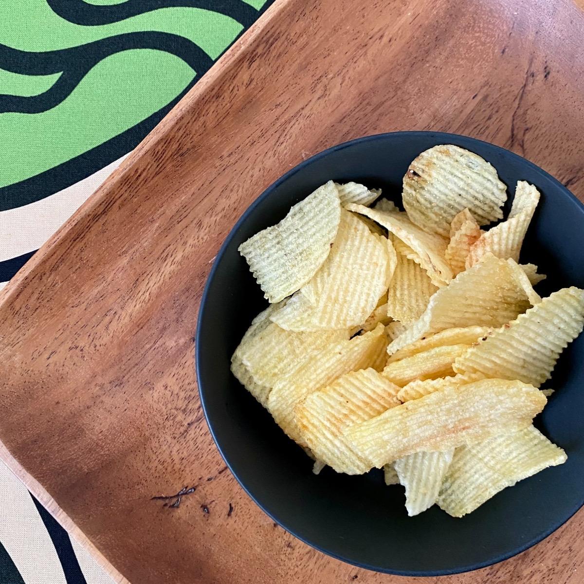 無印良品 ポテトチップス おつまみ 塩 ガーリック コンテチーズ 食べ比べ