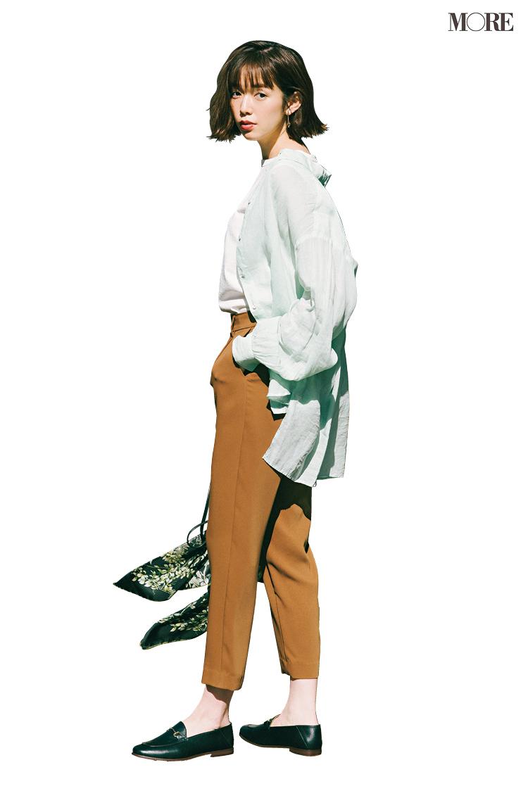 甘いシャツを上手に着るコツ、実はボトムと靴の組み合わせが重要! クロップトパンツには何を合わせればいい?_4