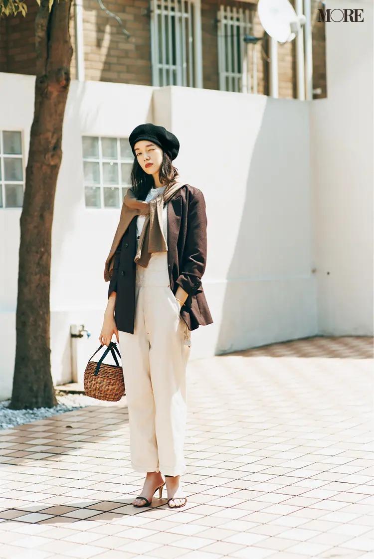 【ジャケットコーデ】白パンツ×ブラウンジャケット
