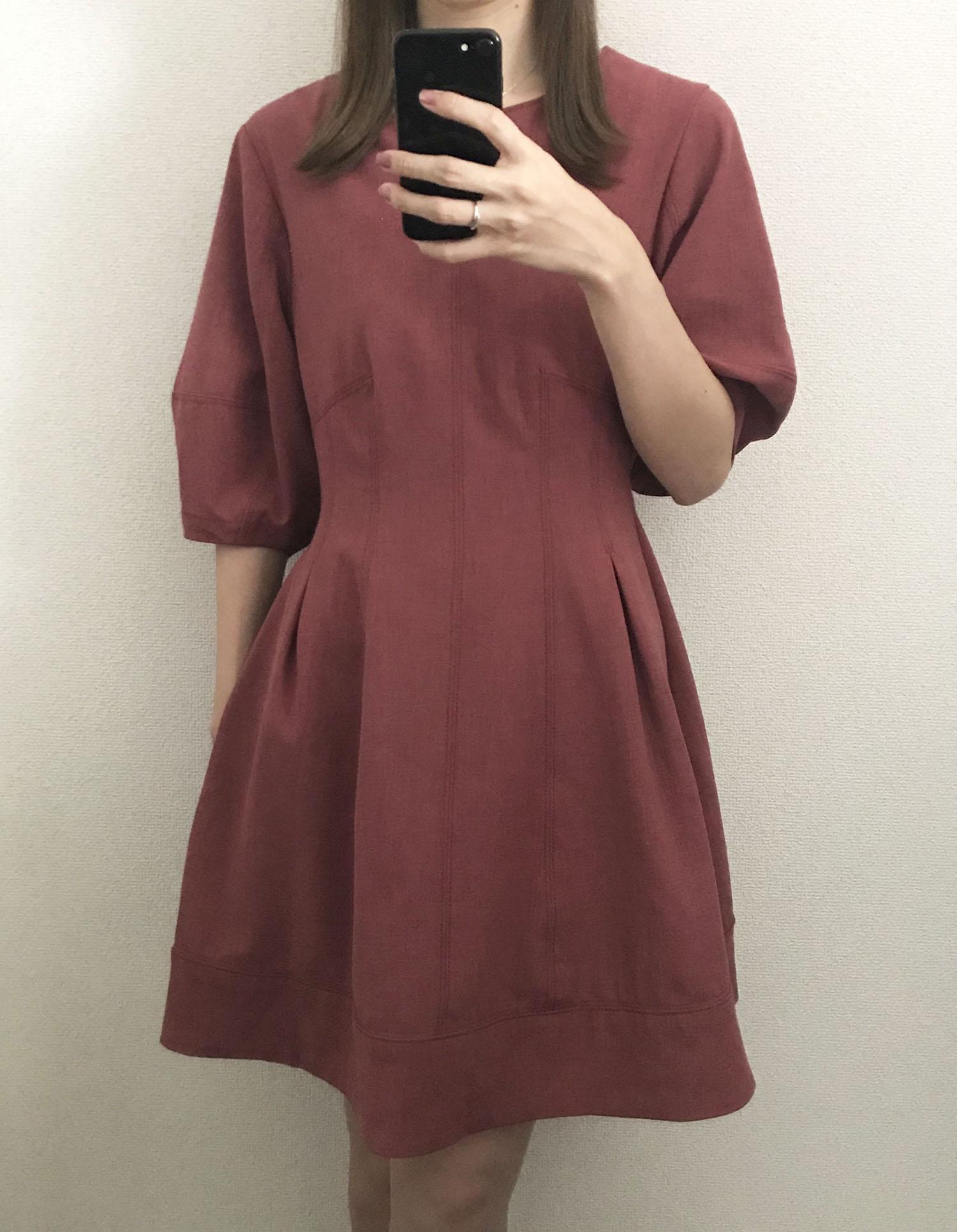 乾ひかり(「破局」をイメージした服を着用)01