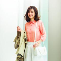 【今日のコーデ】きれい色シャツで連休前も元気に出社!