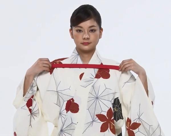 【わかりやすい動画付き】浴衣のセルフ着付け・帯の結び方 - 一人でできる! 女性の浴衣の着方は?_34