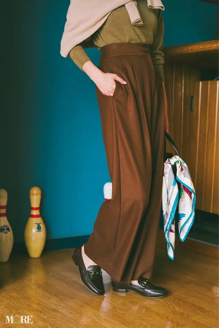【2020秋冬のローファーコーデ】服も靴もブラウントーンで揃え、大人っぽく